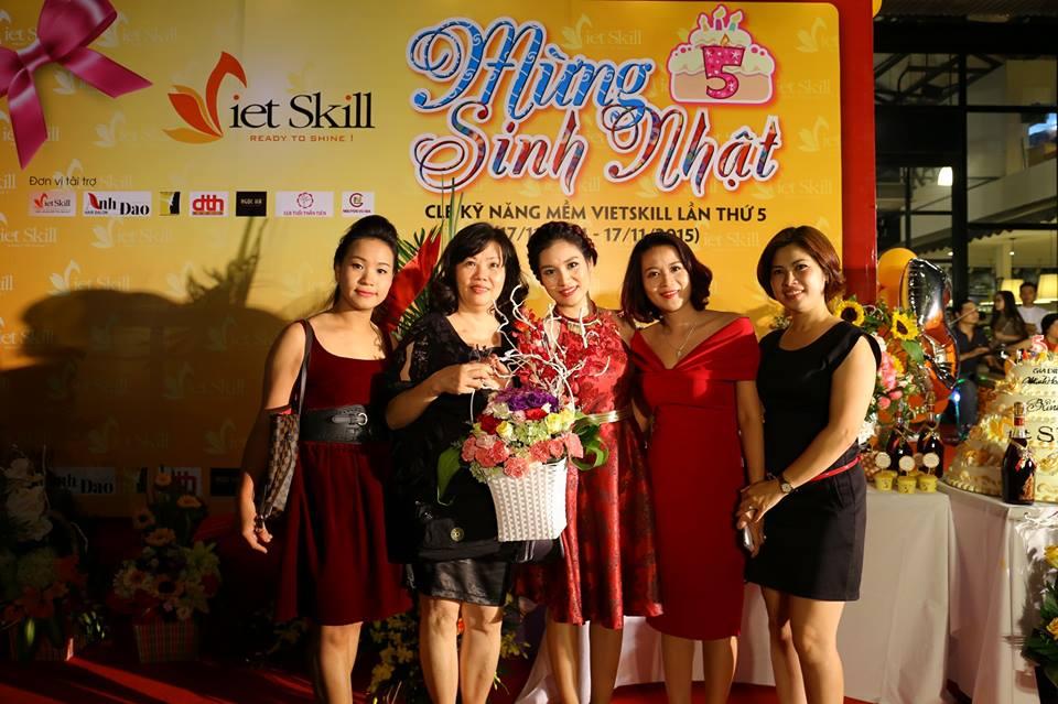 """MC THANH MAI: BỮA TIỆC SINH NHẬT CLB VIETSKILL """"BỘI THỰC"""" NIỀM HẠNH PHÚC"""